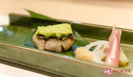 东京惠比寿高级寿司店推荐「鮨 おぎ乃」套餐「特上おまかせ握りコース」的烤七星鲈鱼