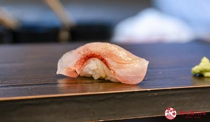 东京惠比寿高级寿司店推荐「鮨 おぎ乃」套餐「特上おまかせ握りコース」的红金眼鲷炙烧握寿司