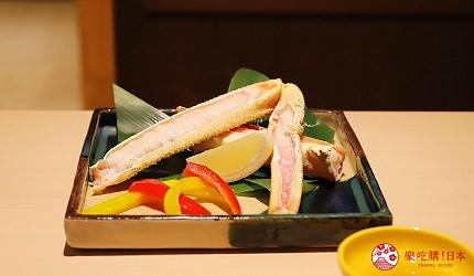 東京神樂坂必吃螃蟹會席料理「美山 神樂坂」的美山套餐(美山コース)的烤蟹腳