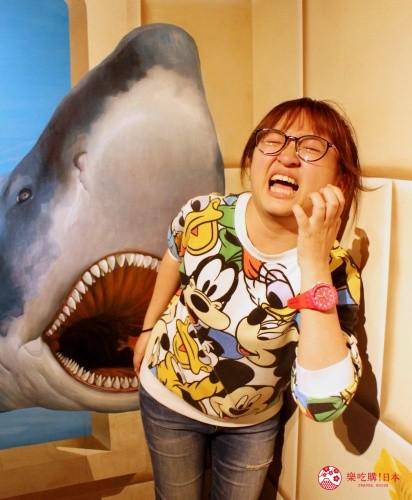 轻井泽一日游好玩景点推荐的「错视美术馆」室内鲨鱼错视空间