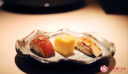 東京六本木必吃高級壽司「鮨 水月」的特上主廚精選套餐(特上おまかせコース)的魷魚、芝海老玉子燒、星鰻三味壽司