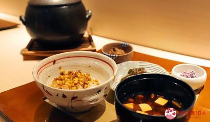 東京推薦高級日本料理店「銀座一」的野趣橫生食材協奏套餐(野趣溢れた食材が奏でるコース)的玉米土鍋飯