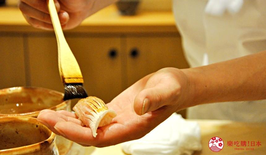 横滨高级寿司店必吃推荐「鮨 七海」的「お任せ握りコース」套餐的春子鲷寿司