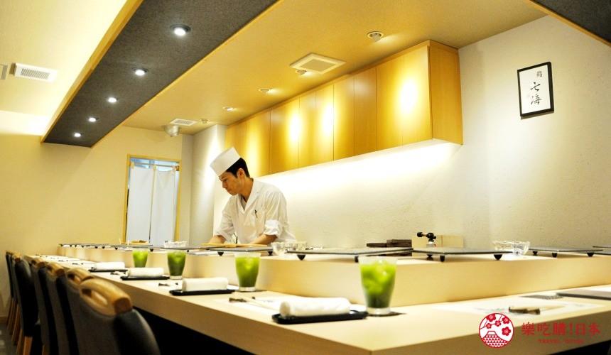 横滨高级寿司店必吃推荐「鮨 七海」的店内吧台座位