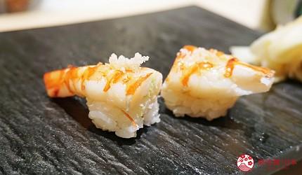 東京上野必吃高級壽司店「すし尽誠」的「おまかせコース」的車蝦壽司