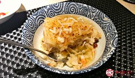 新宿必吃鐵板燒店「湛山」的「湛山特別套餐」(湛山スペシャルコース)的大蒜炒飯