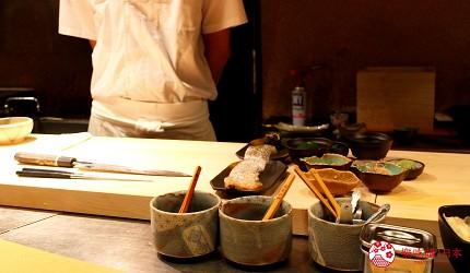 東京高級壽司店推薦「天鮨」的用餐吧台前台