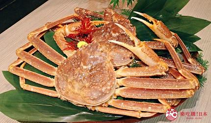 東京上野車站前超人氣居酒屋「蟹と海鮮 尊 上野店」的「VIP豪華螃蟹特餐」的豪華松葉蟹的水炊火鍋