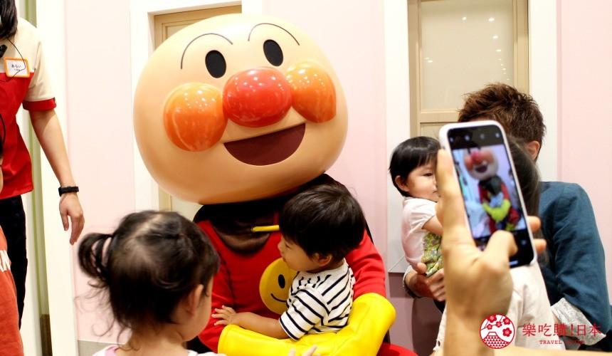 橫濱的麵包超人兒童博物館內的麵包超人布偶人