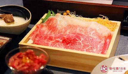 东京六本木A5神户牛涮涮锅推荐「神户牛涮涮锅 肉邸 金山」的「A5 神户牛套餐」的神户牛涮涮锅(神戸牛しゃぶしゃぶ)的神户牛肉片