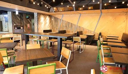 東京shakeshack漢堡外苑銀杏並木店店內裝潢明亮