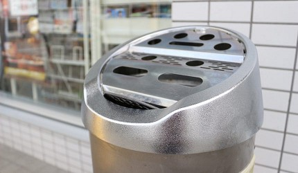 日本部分的便利店會設置在店外的煙灰缸