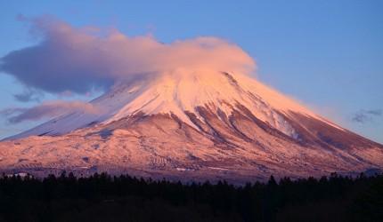 日本富士山的紅富士