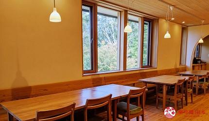 長野池田町住宿推薦民宿「八壽惠莊」的一樓用餐空間