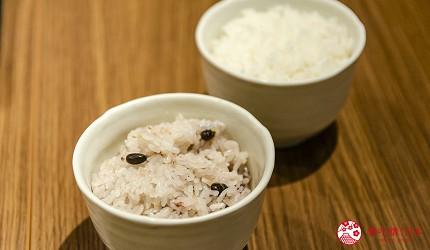 新宿必吃炸牛排专门店推荐「牛かつあおな」的炸牛排铁板定食套餐(牛カツ&鉄板コンボ定食)套餐的米饭