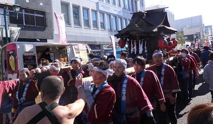 日本冬天自由行最好玩祭典松本冬日节的松本糖果市的祭典