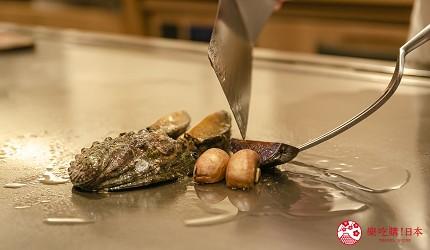 東京銀座和牛鐵板燒「しろや銀座亭」的鮮活鮑魚鐵板燒(活き鮑の鉄板焼き)