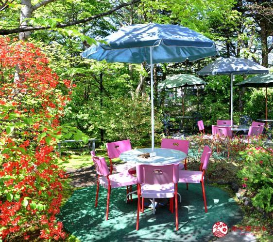 輕井澤一日遊必吃打卡美食的「珈琲館旦念亭」的座位