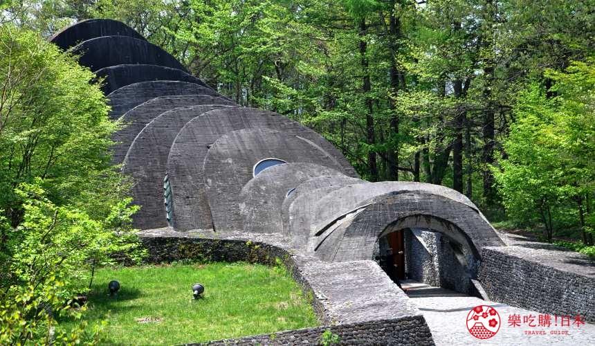 日本長野輕井澤一日遊必去人氣景點「石之教會」