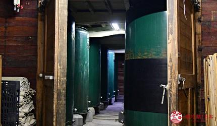 日本輕井澤長野附近療癒慢活女子旅推薦推介的佐久可以參觀的SAKU 13的橘倉酒造的釀酒桶