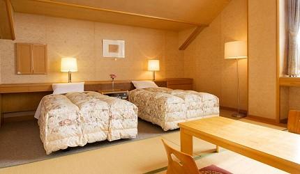 日本輕井澤長野附近療癒慢活女子旅推薦推介的佐久可以去包場浸溫泉泡溫泉的春日之森旅館酒店的洋室