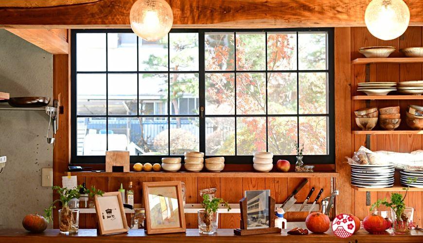 日本輕井澤長野附近療癒慢活女子旅推薦推介的佐久可以吃到的文青餐廳Maru Cafe的內觀