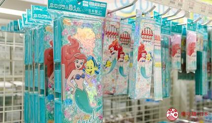「シモジマ 下岛包装广场 浅草桥本店」的迪士尼系列专柜