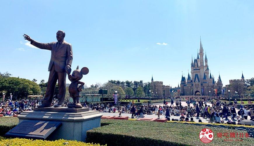 東京迪士尼樂園米老鼠銅像
